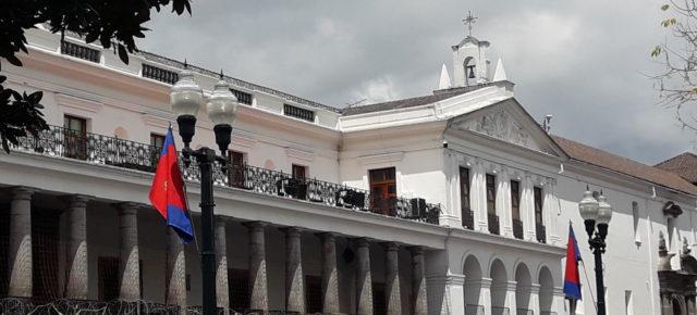 Ecuador: nueva Ley económica urgente incluye derechos a evasores